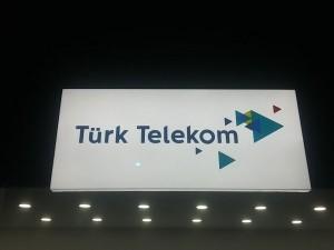 Eski ve Yeni Türk Telekom Logosu
